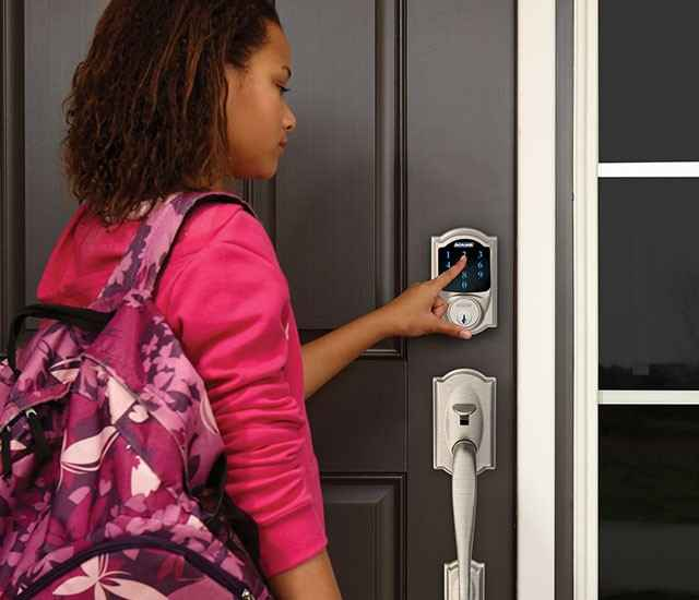 Schlage Connect BE469NX CAM 619 Touchscreen Deadbolt with alarm with Camelot Trim