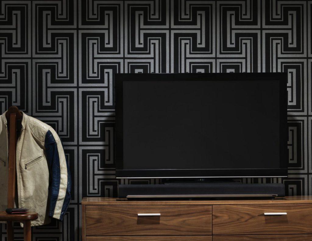 Sonos PLAYBAR TV Soundbar Wireless Streaming TV and Music Speaker