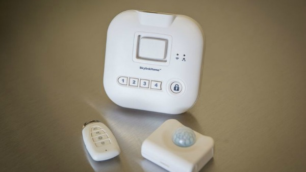 SK-200 SkylinkNet Connected Wireless Alarm System